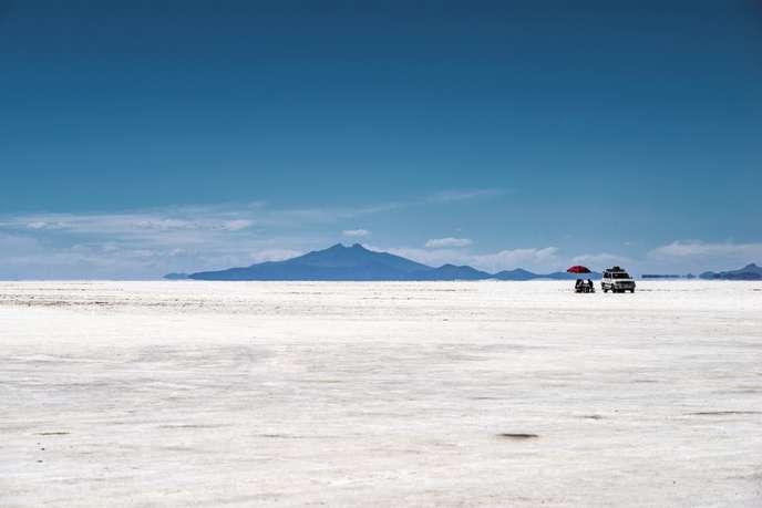 Au Chili, le salar d'Uyuni est un désert de sel perché à 3658mètres.
