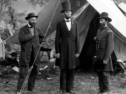 Résultat d'image du chapeau haut de forme Abraham Lincoln